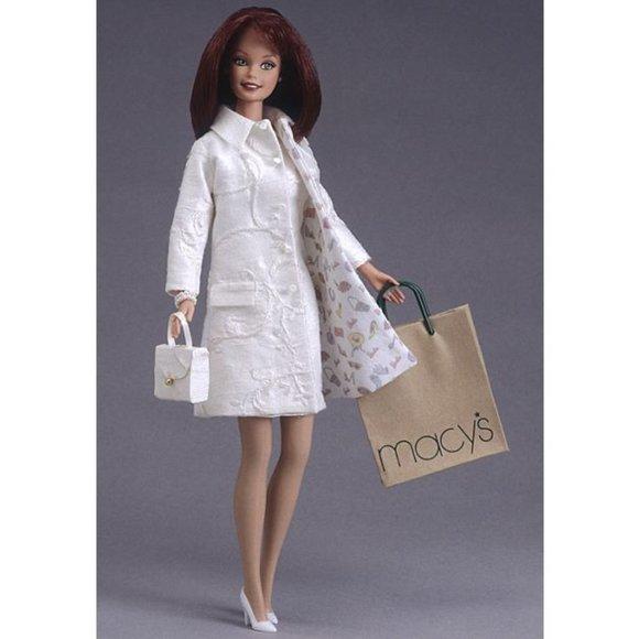 Nicole Miller City Shopper™ Barbie